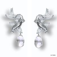 18kt white gold, white sapphire